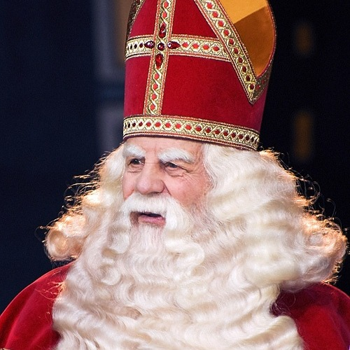 Give gifts on 5th December to celebrate Sinterklaas